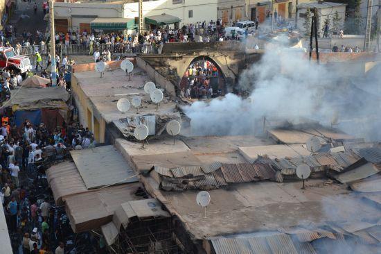 تماس كهربائي يتسبب في إحراق سوق مليلية بوجدة.