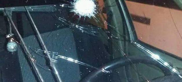 عصابة إجرامية ترشق السيارات ليلا بالحجارة بين بني انصار والناظور