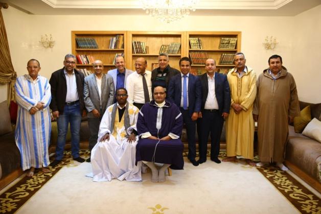قيادات سياسية وفعاليات صحراوية تدخل على خط الصلح بين بن شماش والجماني