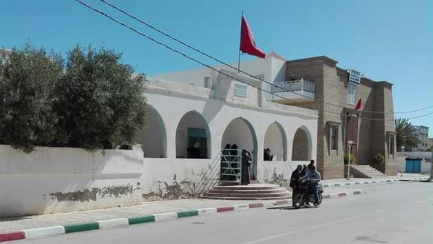 خطير بإقليم الدريوش.. المركز الصحي الوحيد ببن الطيب مغلق لأزيد من اسبوع ونشطاء يستنكرون