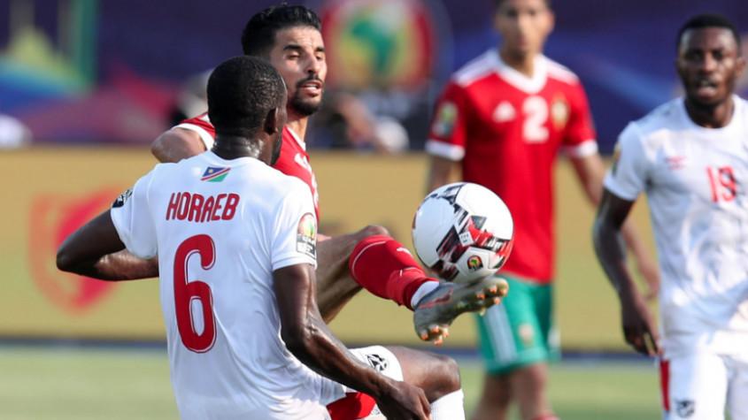 """""""الكاف"""" تختار بوصوفة أحسن لاعب في مباراة المنتخب المغربي ضد منتخب ناميبيا"""
