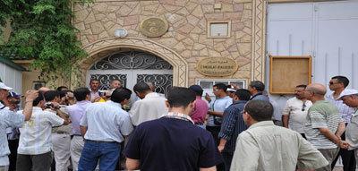 مواطن جزائري يقتحم القنصلية الجزائرية بوجدة و يطلق أعيرة نارية