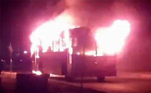 حافلة تابعة لشركة النقل النور تحترق كليا بحي النكادي بوجدة