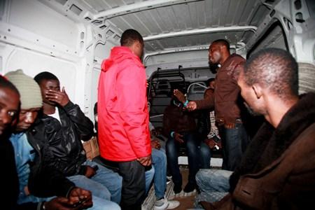 عاجل : الناظور /  ايقاف أزيد من 100 مهاجر سري من دول افريقيا جنوب الصحراء و شرق جنوب أسيا