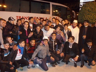 """عبد النبي بيوي يقود بنفسه قافلة حزب """" البام"""" لإقليم وجدة المشاركة في مسيرة الدار البيضاء"""