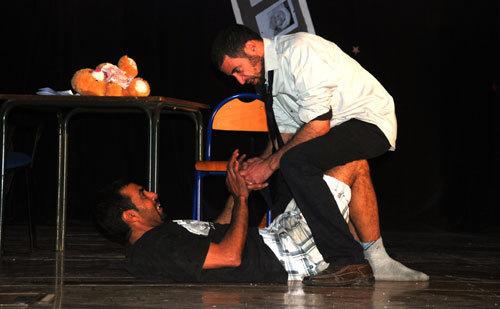 مسرح تافوكت يقدم مسرحية - إسكراف بمناسبة اليوم العالمي للمسرح