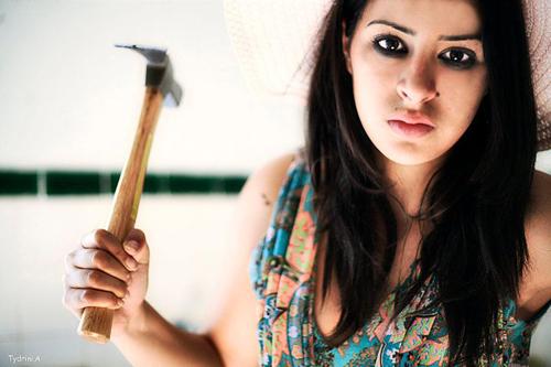 الفنانة ساندية تاج الدين تشق طريقها نحو النجومية في عدد من الأعمال السينمائية .