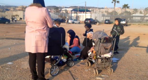 مليلية .. طرد عائلة ريفية من مركز أللاجئين بعد رفض طلبها للجوء