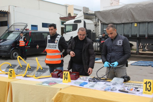 عاجل : اعتقال 6 أشخاص و حجز 4 قوارب و 3 محركات قوية في عملية مشتركة بين أمن الناظور و تاوريرت