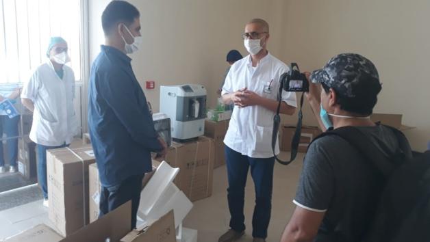 الفتاحي يسلم الدفعة الثانية من المعدات الطبية في اطار مكافحة فيروس كورونا بإقليم الدريوش