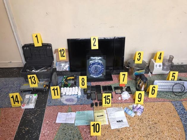 عاجل بالصور : الناظور / ايقاف عشرة اشخاص متورطين في تكوين عصابة إجرامية، متخصصة في السرقة الموصوفة و الابتزاز والتزوير، والسير بصفائح تسجيل مزورة