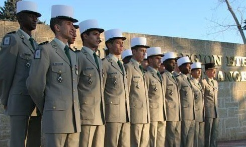 عداؤون مغاربة من بينهم ريفيون ينضمون الى الجيش الفرنسي