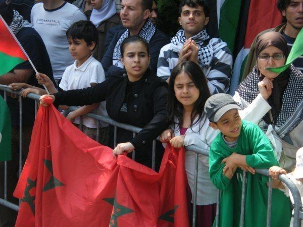 السفارة المغربية ببلجيكا تنظم لقاء شبه سري مع وزيرالجالية