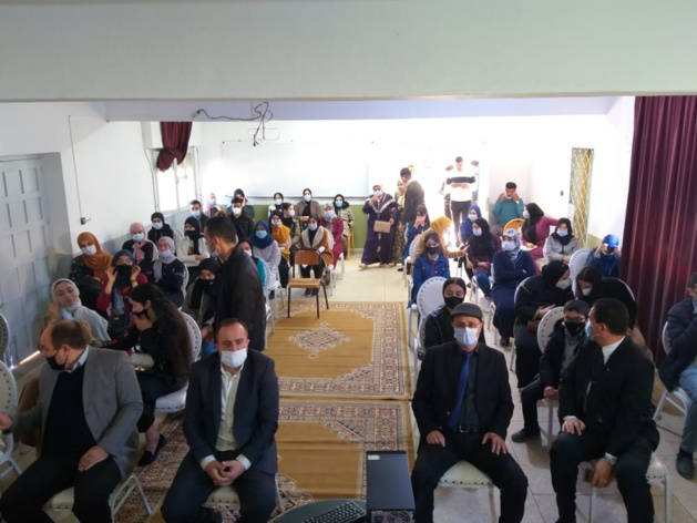 ثانوية الفيض التأهيلية وجمعية أولياء أمور التلاميذ تحتفيان بالتلميذات والتلاميذ المتفوقين دراسيا.