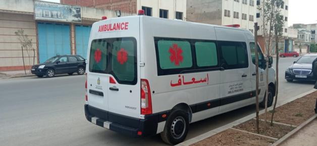 رئيس جماعة تفرسيت إقليم الدريوش يتسلم  مفاتيح سيارة إسعاف مجهزة بأحدث التجهيزات الطبية من طرف  المجلس الإقليمي للدريوش