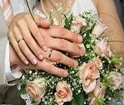 تغيب العريس عن الزفاف فتزوجت أحد الضيوف!