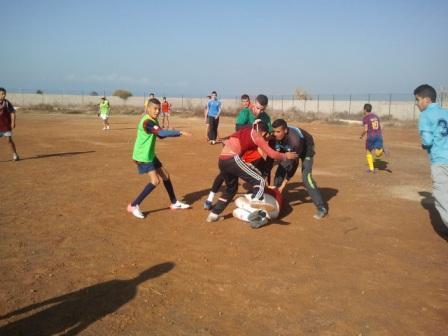 مدرسة ريكبي أركمان تواصل تنفيذ  مشروعها التنموي الرياضي والملعب أكبر المعيقات