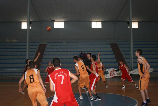 شباب الريف الناضوري لكرة السلة يعود من طنجة بفوز كبير قبيل بداية البطولة
