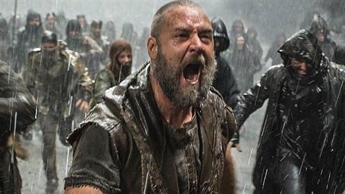 """لعنة """"النبي نوح"""" تغرق دار عرض شهيرة في بريطانيا"""