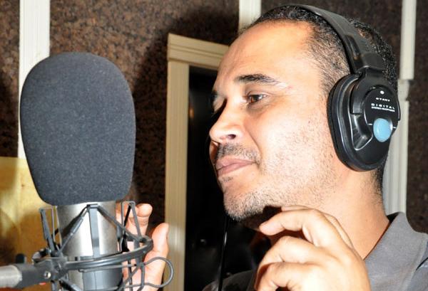 عبد السلام برسلونة ينفي اعتزاله الغناء و يستعد لأغنية عن الصحراء