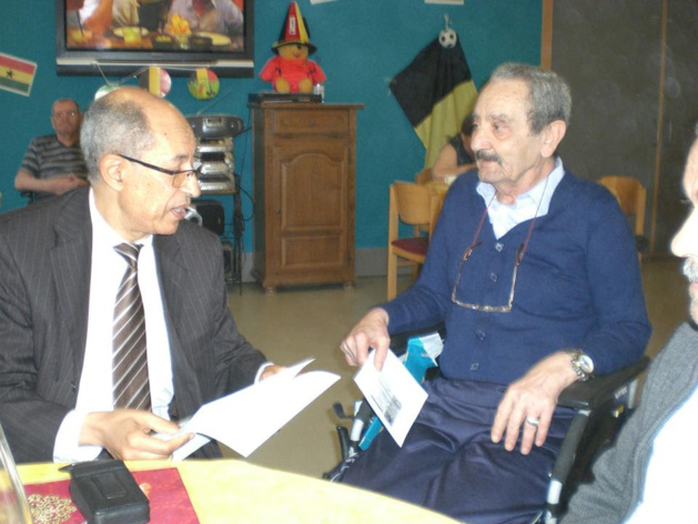 القنصل العام للمملكة المغربية ببروكسيل في زيارة لدار العجزة.