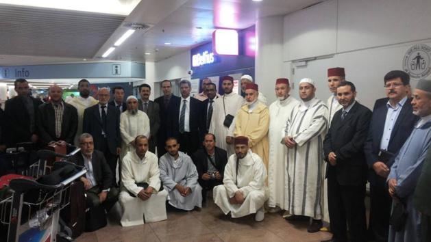 تنفيذا للتعليمات الملكية السامية وصول وفد الأئمة و المرشدين الدينيين لمطار بروكسيل الدولي