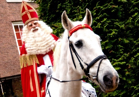 """هولندا تحسم جدل """" القديس سنتركلاس"""" ."""