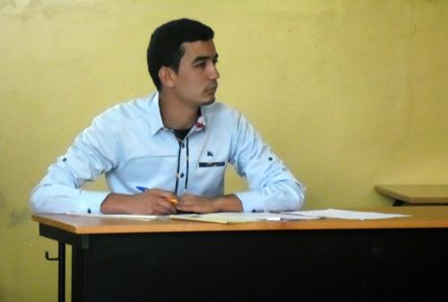 الطالب الناظوري حسن بومهدي يناقش لنيل شهادة  الماستر في الدراسات الأدبية والثقافية