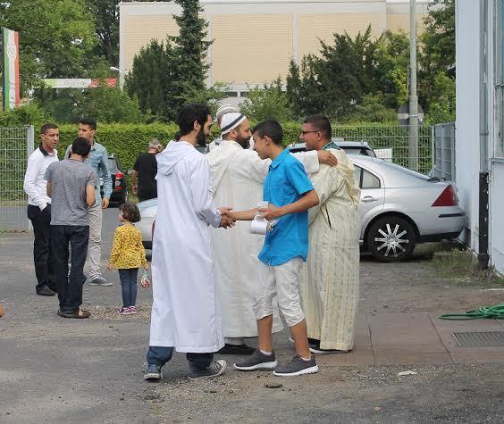 أول صلاة عيد بمسجد الفرقان بألمانيا- صور