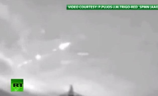 فيديو | ظهور جسم غريب يضئ سماء أسبانيا