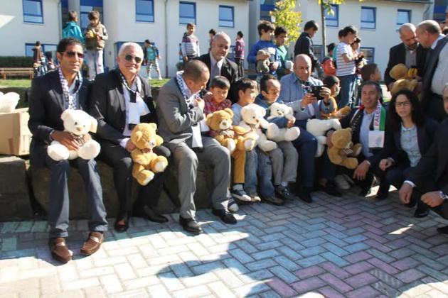 حزب الأصالة والمعاصرة يقتسم فرحة العيد بألمانيا مع أطفال غزة الجرحى