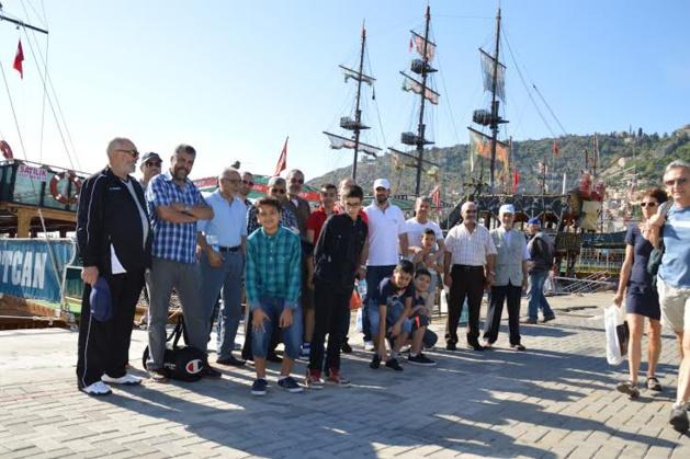 جمعية المركز الإسلامي عبد الله إبن مسعود  ببروكسيل تبصم على زيارة ترفيهية ناجحة لتركيا.