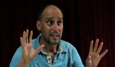 الكوميدي يوسف حامدي يستنكر إهمال الفنان المحلي بمهرجان الضحك بوجدة