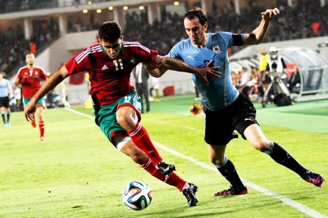 """صحيفة """"آ س"""" الإسبانية تشيد بمستوى المنتخب المغربي ضد الأورغواي"""