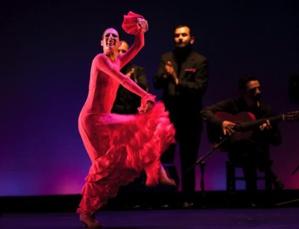 الراقصة أورسولا لوبيز تحيي حفلا بأكادير يوم الإثنين 25 ماي 2015