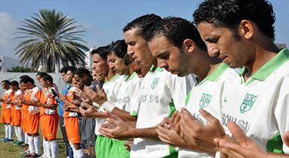 هل نسف بلطجية الرياضة أحلام الهلال الرياضي الناضوري لكرة القدم؟