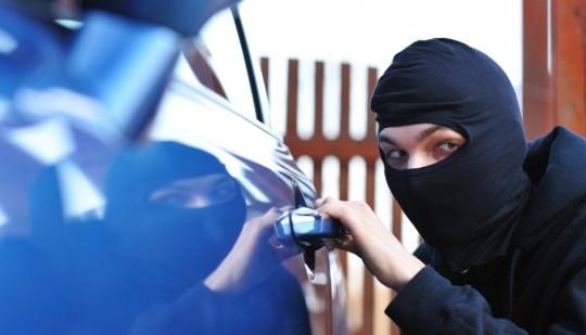 تفكيك أزيد من 20 شبكة لسرقة السيارات الفارهة واعتقال 80 متهما من بينهم أجانب