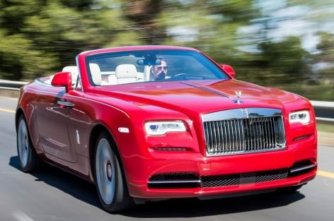 """""""سيارة الفجر"""".. معطيات عن سيارة الملك الجديدة التي يركبها زبناء حصريون"""