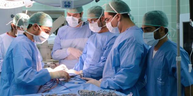 وجدة : فريق طبي ينجز تدخلا جراحيا دقيقا على مستوى القلب