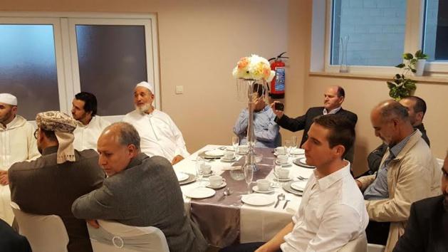 معهد جسر الأمانة للدراسات الإسلامية بأونفرس البلجيكية ينظم حفل إفطار بمناسبة شهر رمضان المبارك.