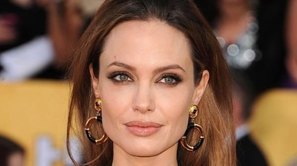 خبر صادم...أنجلينا جولي تعاني في صمت على فراش الموت