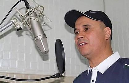 """""""الإتحاد الإفريقي"""" موضوع أغنية جديدة للفنان الأمازيغي عبد السلام برشلونة."""