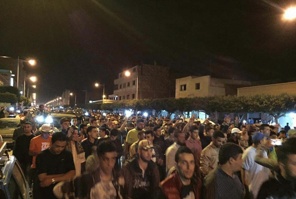 رمضان الإحتجاجات بالريف.. حشود غفيرة تخرج في العروي تضامنا مع معتقلي الحسيمة