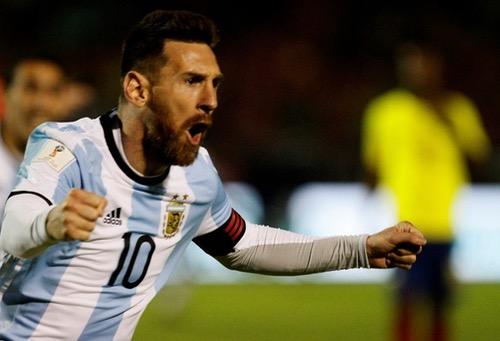 """""""هاتريك"""" ميسي يُؤهل منتخب الأرجنتين السيء إلى مونديال روسيا"""