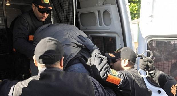40 عنصرا من الفرقة الوطنية يحاصرون ويعتقلون بارون مخدرات ابن الناظور في عملية هليودية