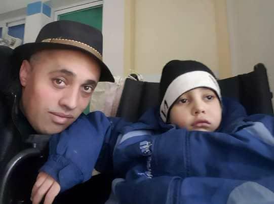 تعزية ومواساة في وفاة الأخ الصغير لقائد فرقة تيفيور الغنائية عزيز