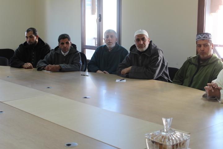 مرشدون ومرشدات ومؤطرون يلتئمون في لقاء بمقر المجلس العلمي بالناظور حول برنامج التأطير الديني للحجاج