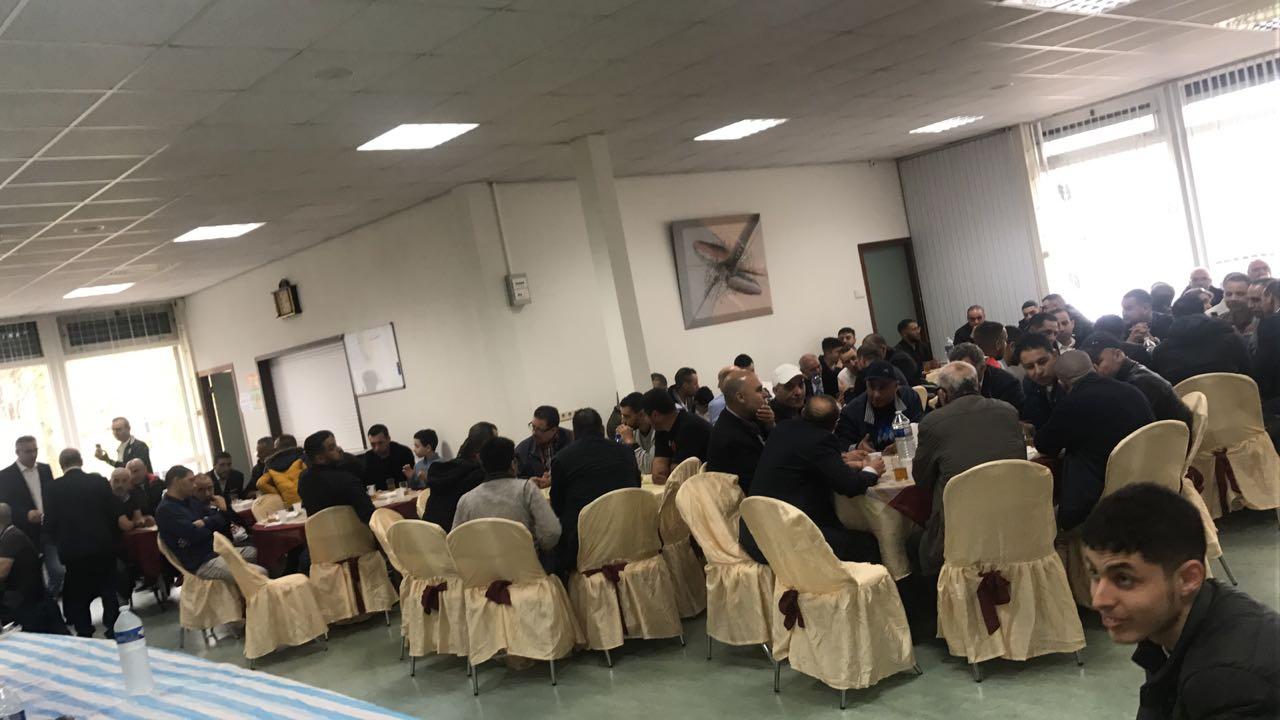 لأول مرة الفتاحي ونائبه طوري في لقاء تواصلي بهولاندا مع أزيد من150 مهاجر لفك العزلة على مجموعة من دواوير إقليم الدريوش