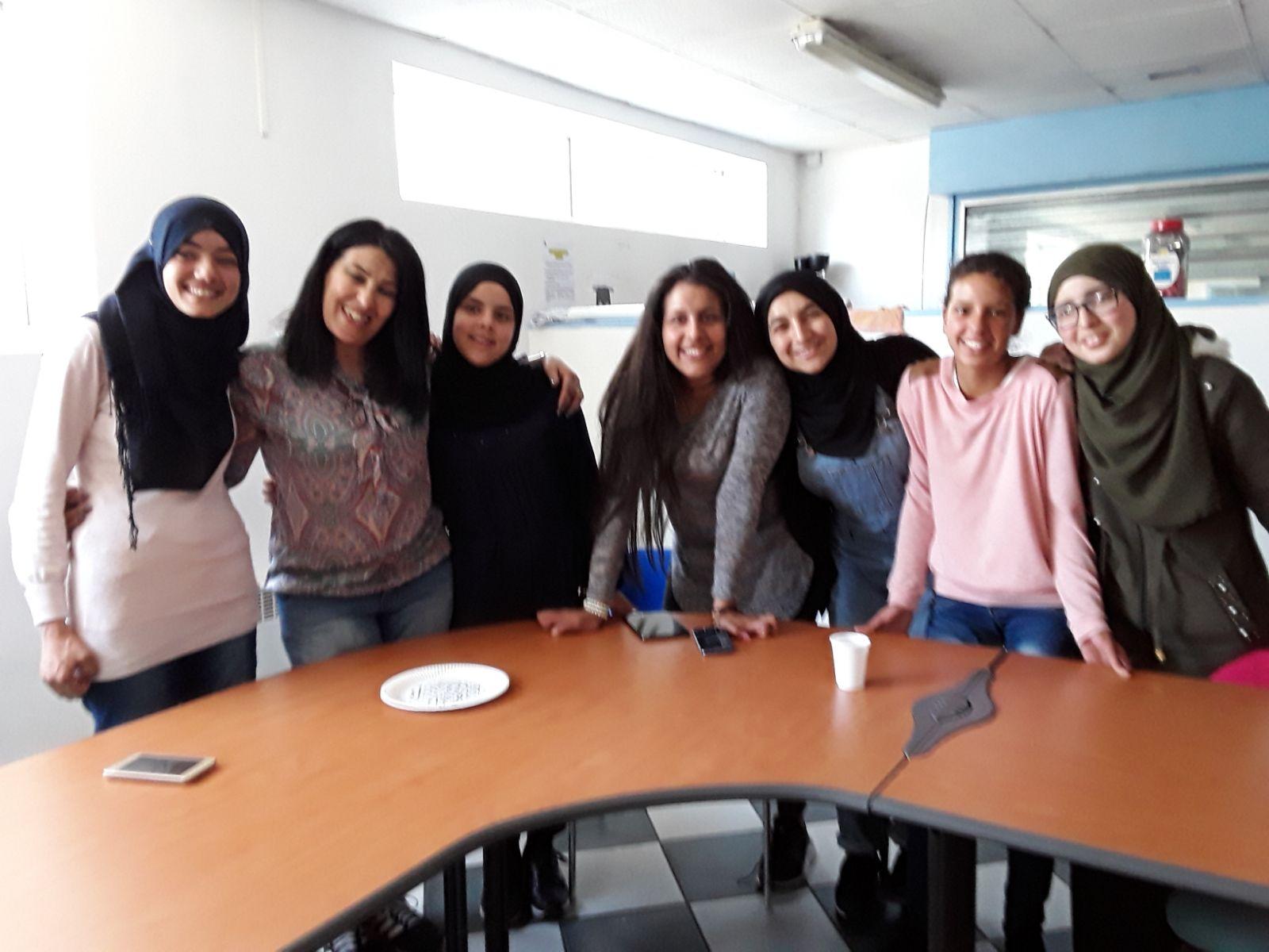 بالصور: تلميذات دار الطالبة بالدريوش يتميزن خلال مشاركتهن ضمن فعاليات الاسبوع الثقافي المغربي بمدينة اميان الفرنسية