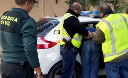 اسبانيا.. اعتقال مغربي كان ينام على 1.5 مليون من المخدرات